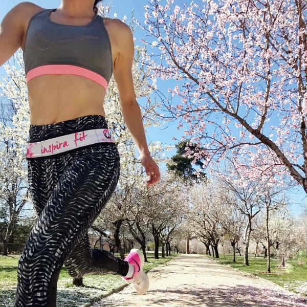 cinturón de running inspirafit reversible correr blanco negro entrenar con estilo