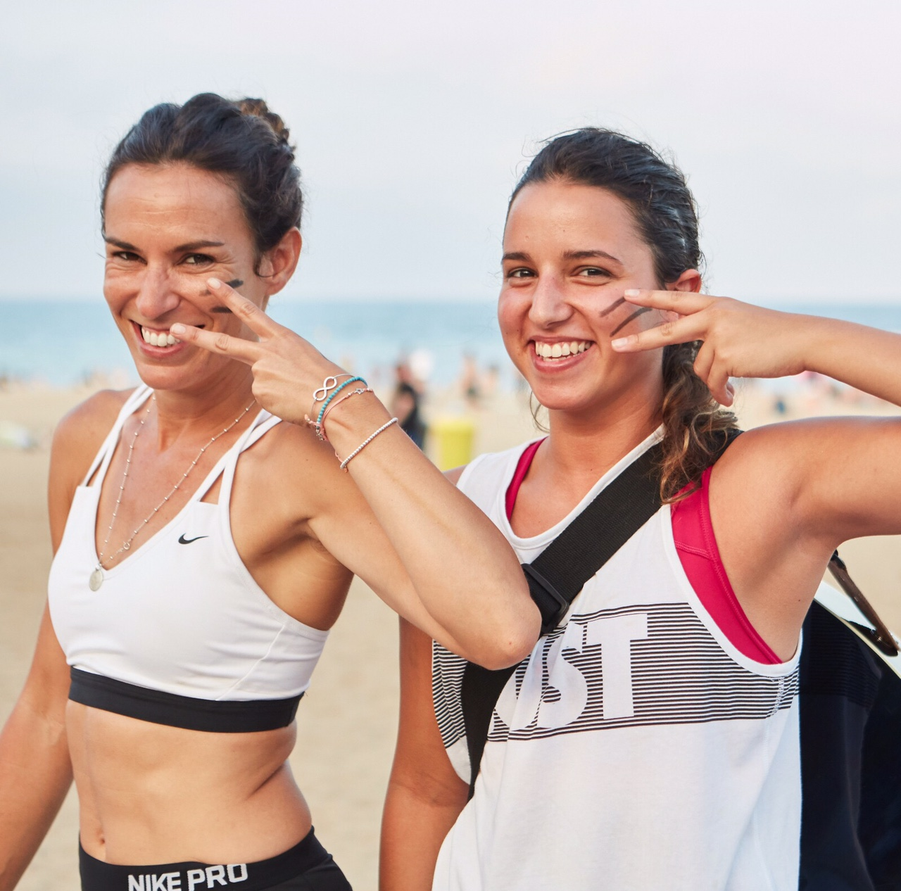 paula butragueño yoga barcelona playa acoustic fit anna pacheco