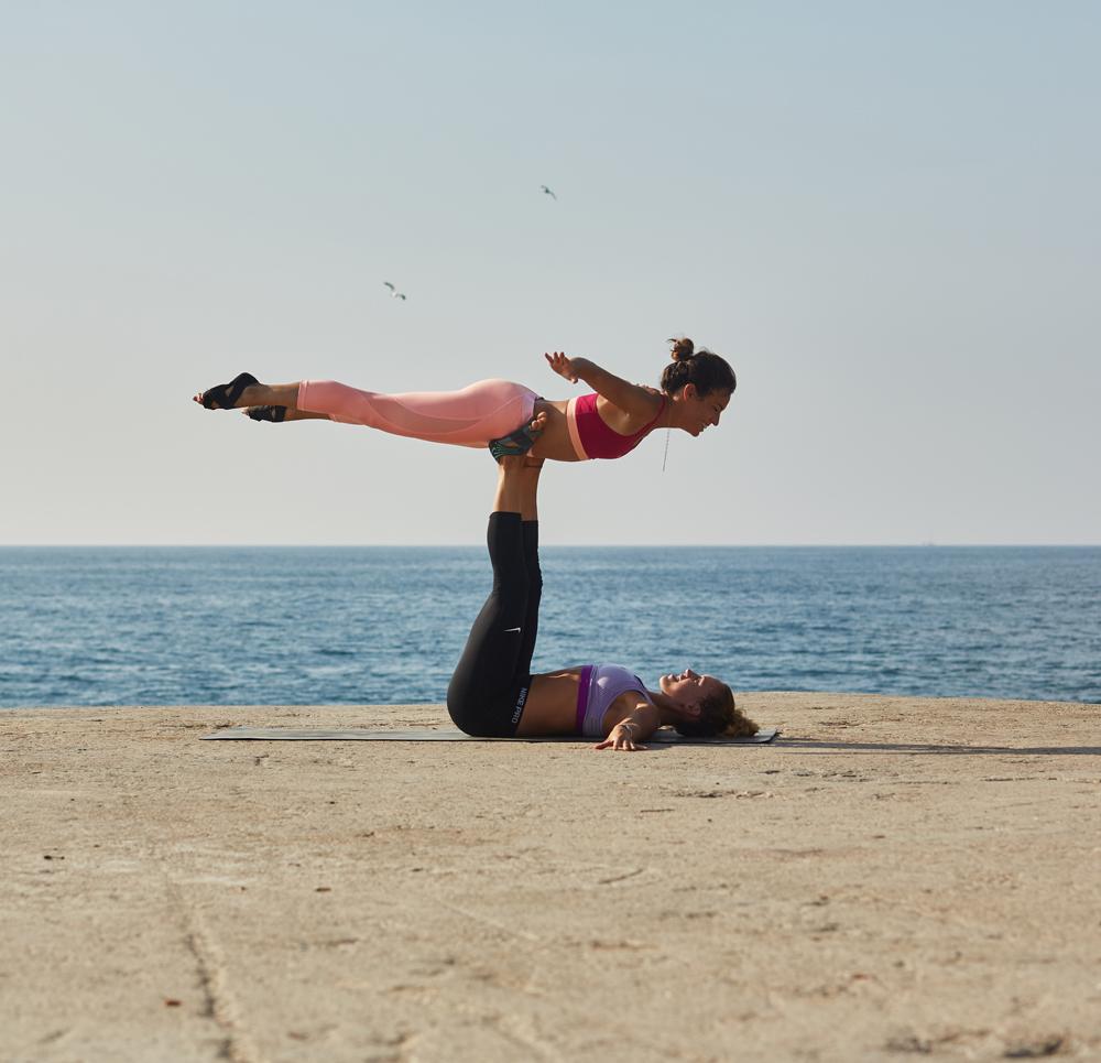 paula butragueño yoga inspirafit mar cuerpo mente entrenadora fitness