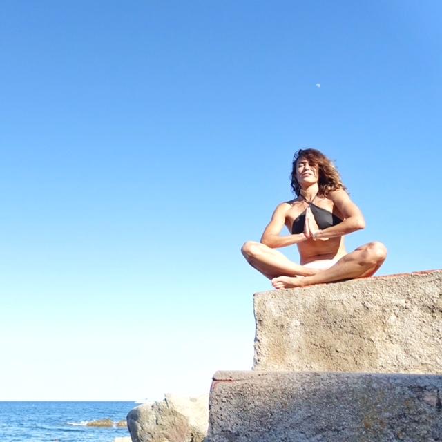 paula butragueño doctor romero yoga