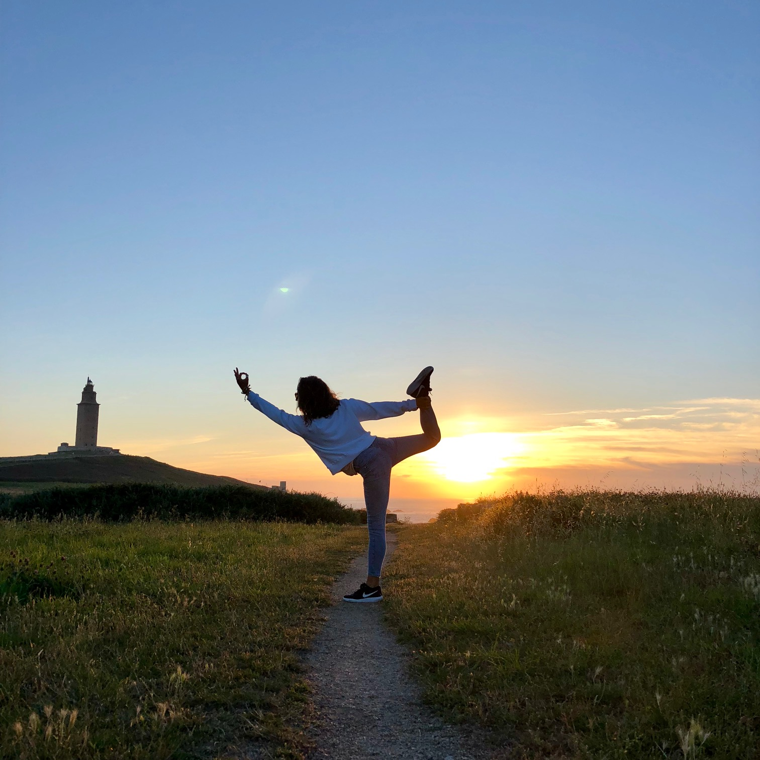Saludo al sol Jivamukti yoga pau inspirafit paula butragueño