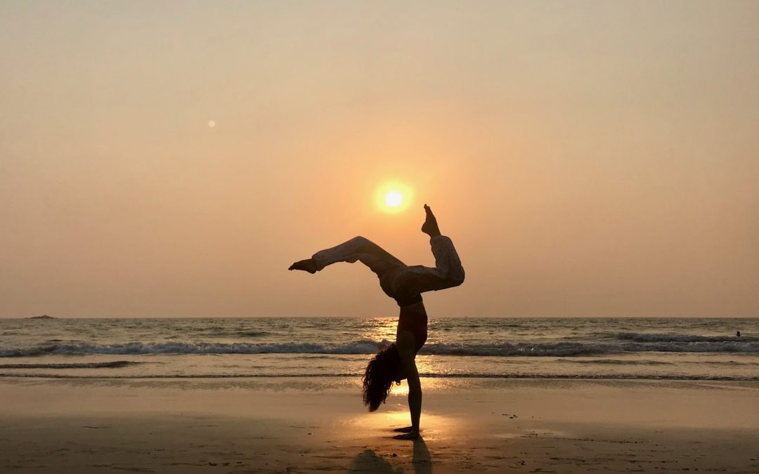 Saludo al sol Jivamukti yoga paula butragueño inspirafit