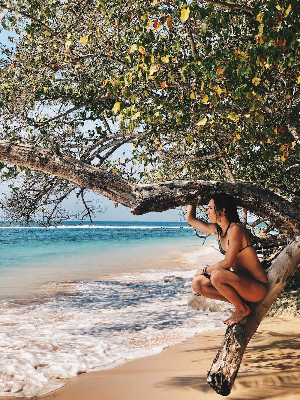 día mundial de la felicidad pau inspirafit paula butragueño playa